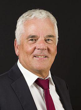 Dr. Helmut Bausch